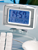 DCF-Funkuhr mit 8,9 cm LCD-Display, Wecker, Kalender & Thermometer